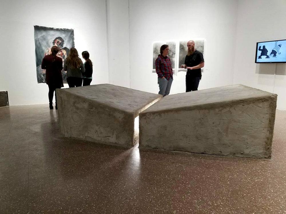 Podia   2016, Concrete, light