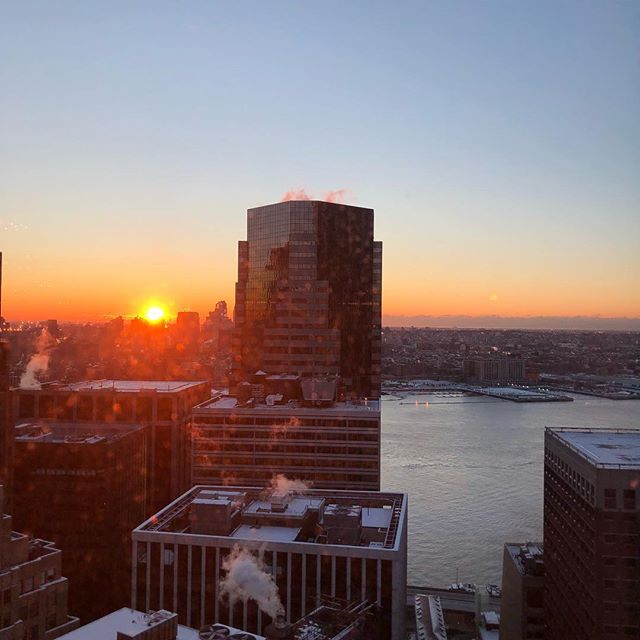 Good morning NYC #morningview #sunrise #brooklynheights