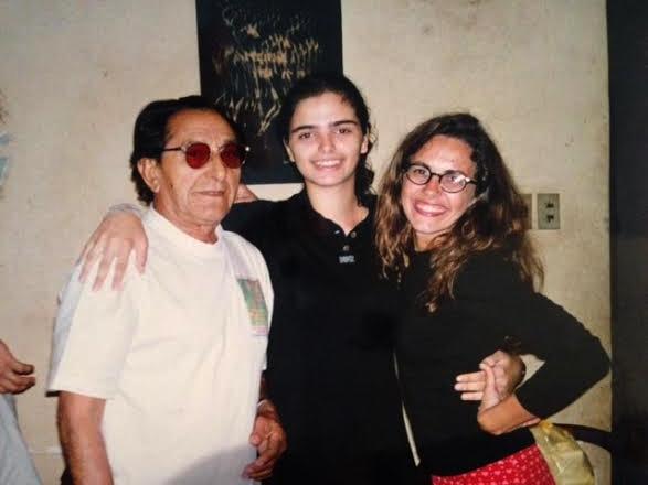 Meu pai, sua primeira neta, e eu em 1996 quando ele foi diagnosticado com Alzheimer
