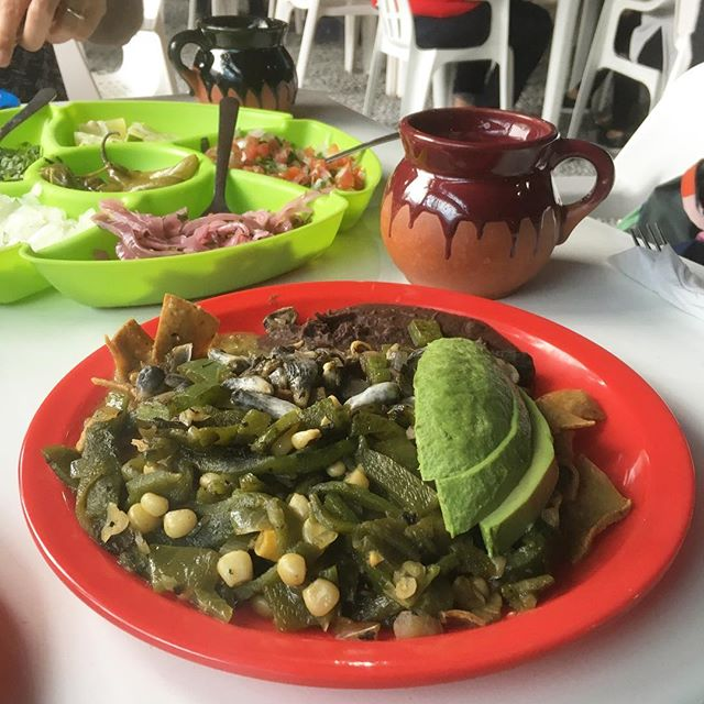 Chilaquiles ❤️ . .  #chilaquiles #veganchilaquiles #vegabonding #vegantravel #fridachilaquiles #veganmexican #veganfoodshare