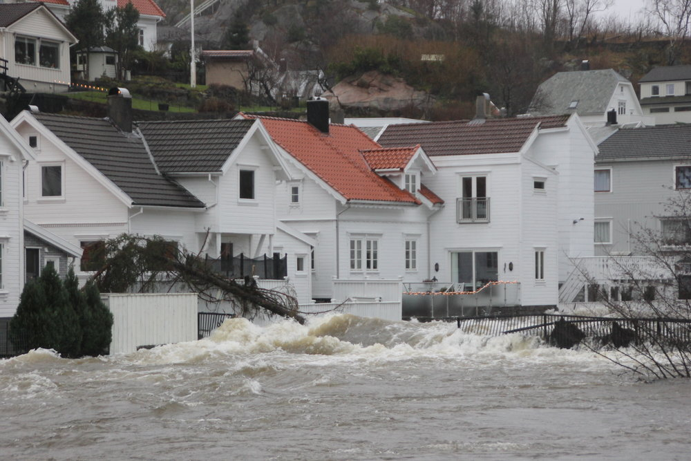 Ekstremvêret Synne ramma Rogaland og Agder fylka med ekstreme nedbørsmengder 6. - 7. desember 2015. Foto: Sem Hadland, Eigersund kommune.