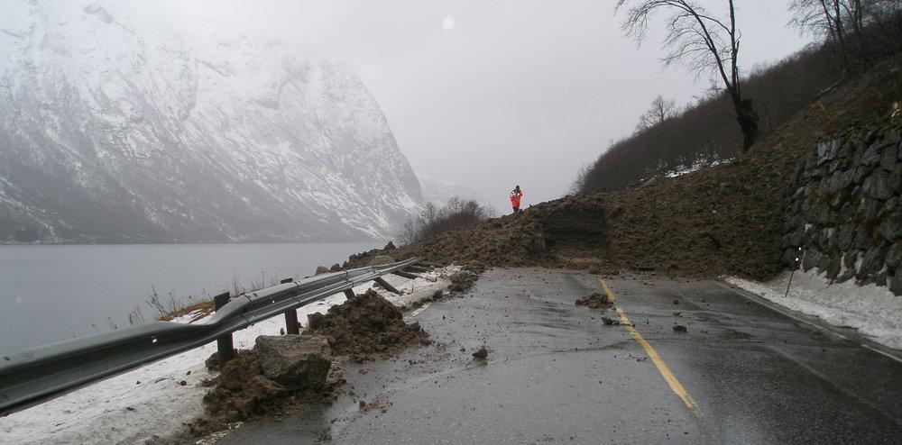 Risk to infrastructure from landslides (source NGI).jpg