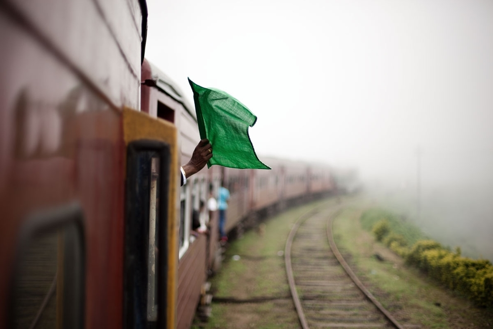 1_036_srilanka_train_steh_v2.jpg