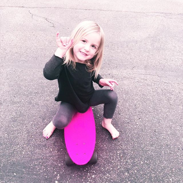 Happy Weekend lovers!💕 #myforevervalentine #shaka #radgirlscollective #skatergirl #gromlife #joieleilani
