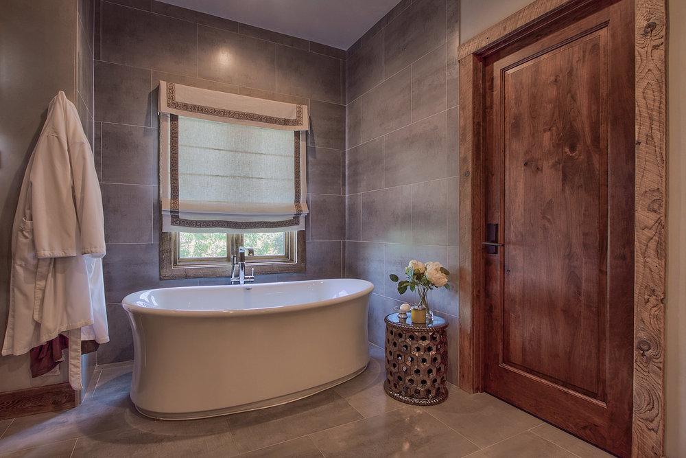 JN Bath 1.jpg