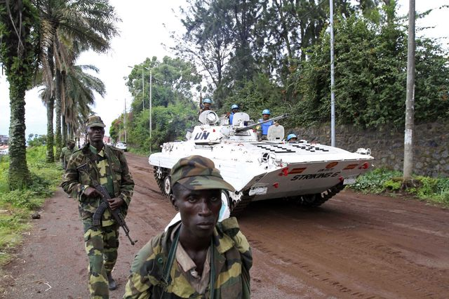 Rapidly deteriorating humanitarian situation in the Kivus - Rebel and UN troops near Goma - Photo courtesy of Reuters/James Akema