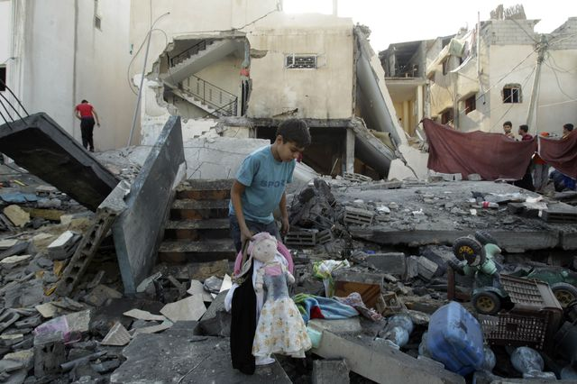 Growing concerns about number of civilians killed in Gaza and Israel - Rafah, southern Gaza Strip, November 20, 2012 - Photo courtesy of Reuters/Ibrahim Abu Mustafa