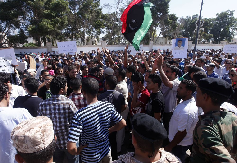 In Libya, responding to needs despite attacks - Protesters from Bani Wali in Tripoli, October 7, 2012 - Photo courtesy of Reuters