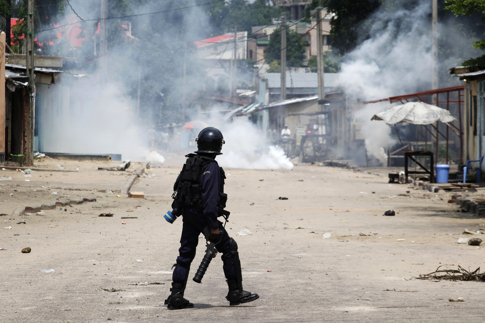 Kinshasa: calm, but tense - Protesters in the Congolese capital last Sunday - Photo courtesy of Reuters/Braun, Emmanuel