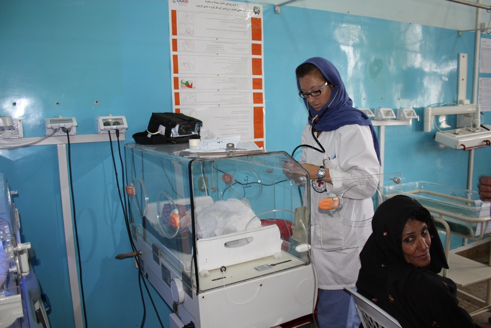 Mirwais pediatric ward, April 2011 - ©ICRC/Barry, Jessica
