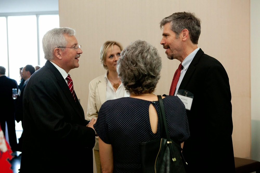 Swiss Ambassador to the US, Martin Dahinden (left) talks to New York Times National Security Correspondent, Eric Schmitt (right) following the event.