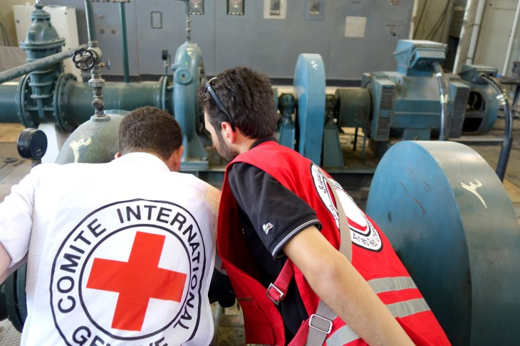 Aleppo. ICRC and SARC engineers inspect one of the city's pumping stations./CC BY-NC-ND/ICRC/P. Krzysiek