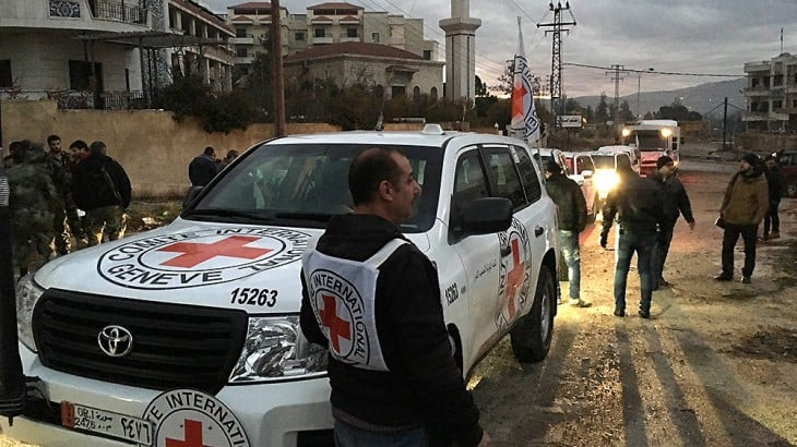 The joint aid convoy entering Madaya. CC BY-NC-ND / ICRC/ P. Kyrzysiek