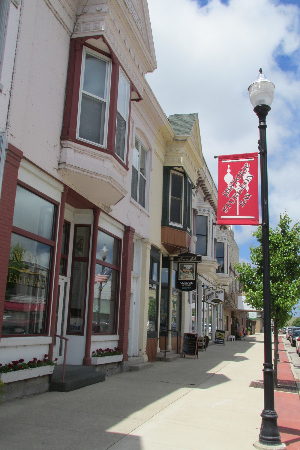 Downtown Sturgeon Bay was quaint and small town friendly.