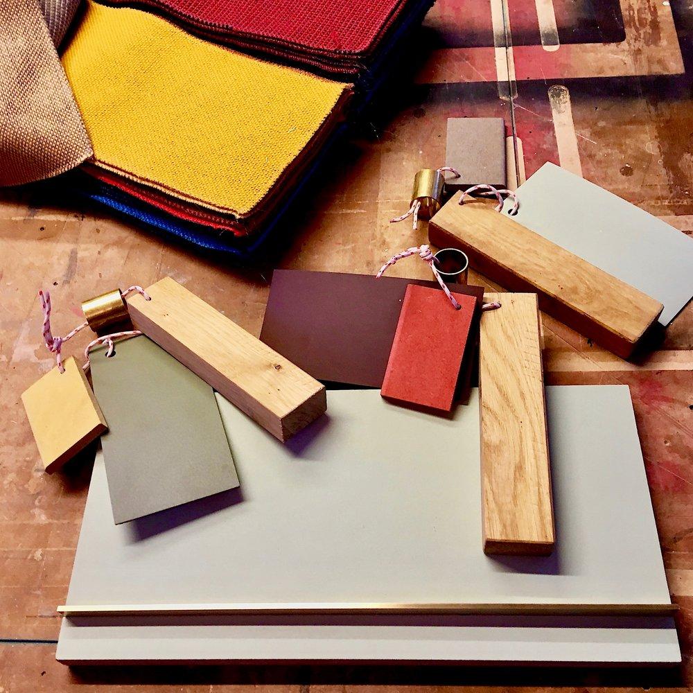 Materialer - Et special fremstillet køkken tilpasset jeres bolig og ønsker.Ingen køkkener er ens og den endelige pris afhænger selvfølgelig af ambitionsniveau, størrelse, materialer etc. Men et snedkerkøkken koster ikke nødvendigvis en halv million.
