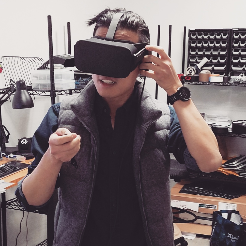 Kevin Chow is checking out the Oculus in our New York workshop. (Image: Eric Grant)