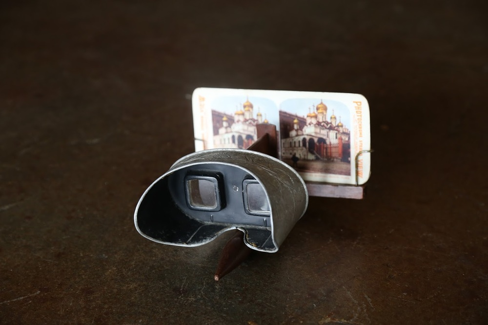 Holmes stereoscope (Source: Joel Ivory Johnson)