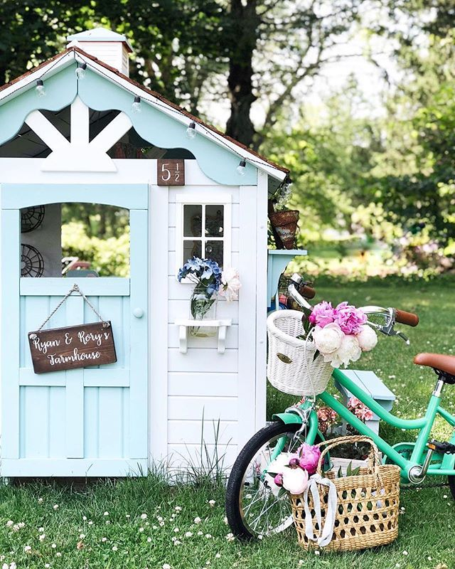 Summer scenes 🌸 // #Repost @scscurlock // #nantucketbikebaskets #bikebasket #bikelove #bikelife #worcester #summer #bike #bicycle