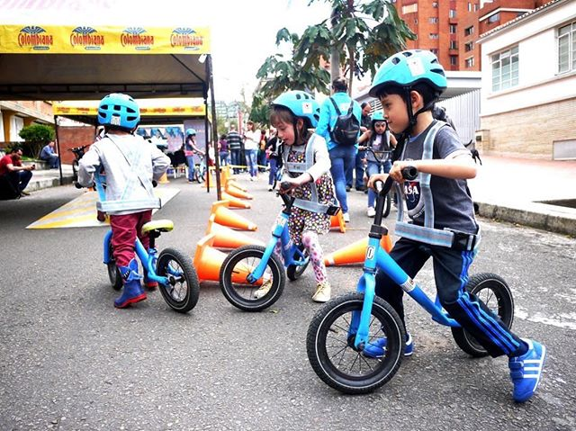 "'What if the race to get people to use pollution-free transportation isn't a sprint or a marathon? Maybe it's a waddle. Every Sunday, the city of #Bogotá has shut down half of a major road to make way for a car-free bike zone. The weekly tradition, #Ciclovía, started 40 years ago as a revolutionary protest against pollution. Now it's also become a space for young kids to learn to bike together as families walk, jog, scoot, and cycle in the street. Turning busy thoroughfares into quiet cycling superhighways has had a symbolic power, giving children and adults a vision of what the city might look like with fewer cars. As other cities around the world imitate the event, the hope for cleaner and safer streets has become a given in the Colombian capital. The city's mayor declared in his first term that ""a quality city is not one that has great roads, but one where a child can safely go anywhere on a bicycle.""' 🚲 // #Repost @citylab // 📷: Laura Dixon // #CityLabRoomtoGrow #Colombia #carfreestreets #bicycle #bike #gobybike #rideyourbike"