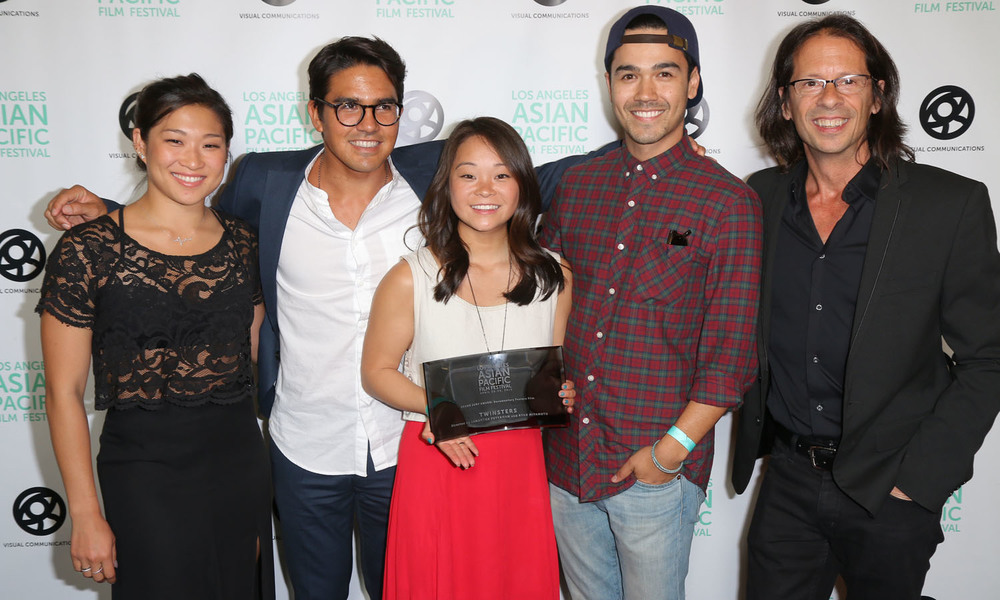 TWINSTERS WON THE GRAND JURY PRIZE FOR BEST DOCUMENTARY. FROM LEFT TO RIGHT: EXECUTIVE PRODUCER JENNA USHKOWITZ; DIRECTORS RYAN MIYAMOTO AND SAMANTHA FUTERMAN; PRODUCER KANOA GOO; EXECUTIVE PRODUCER JEFFREY CONSIGLIO. (PHOTO: STEVEN LAM)