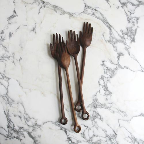 walnut_hand_spoons_01.jpg