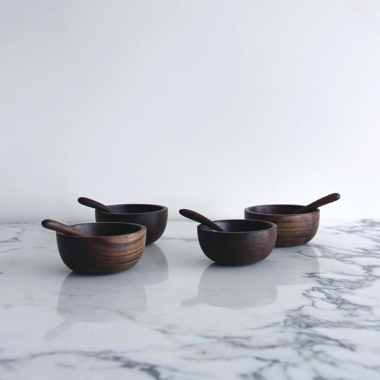 walnut_sugar_bowls_01.jpg