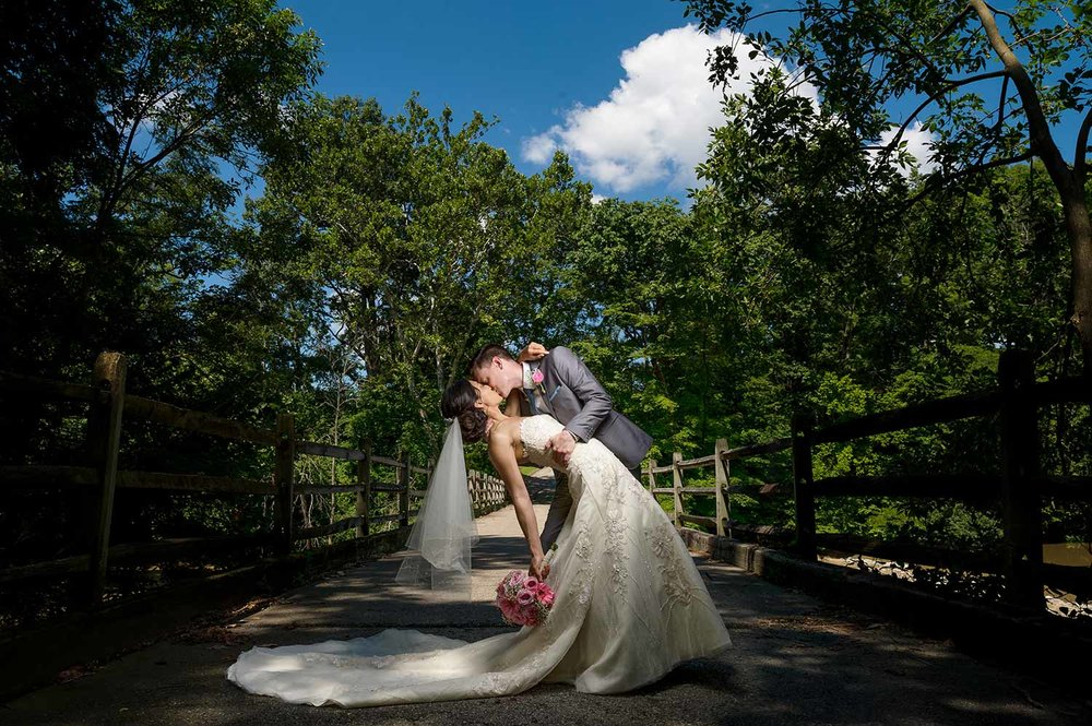 darby-house-galloway-ohio-dramatic-dip-wedding-portrait.jpg