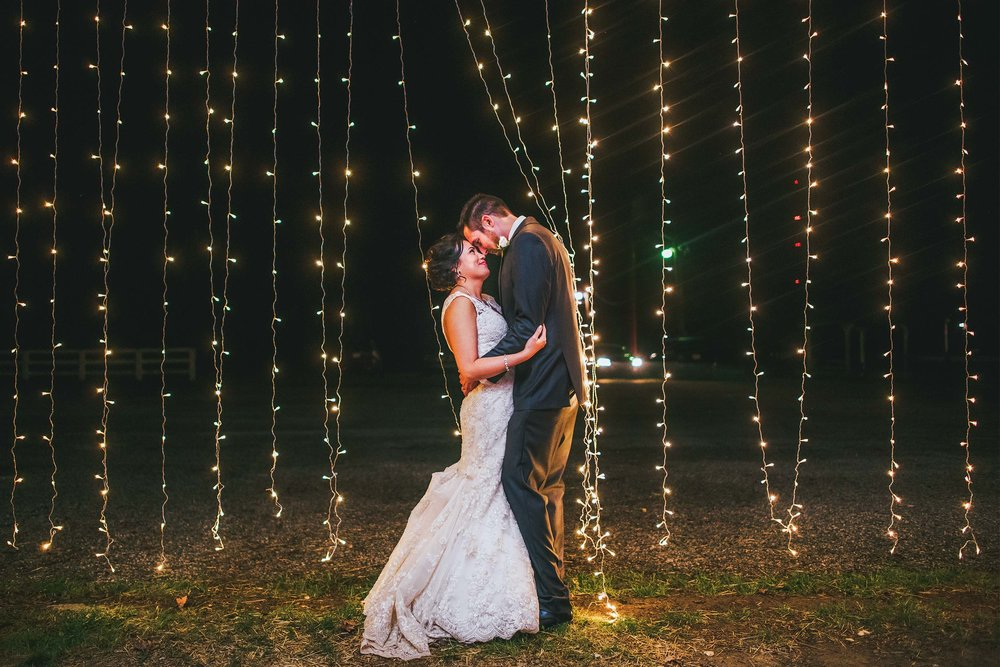 piketon-fairgrounds-string-lights-wedding-portrait.jpg