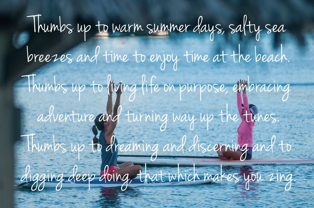 thumbs-up-sup-yoga