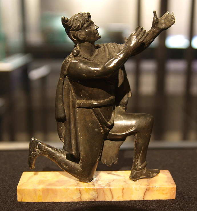 1024px-Bronze_figure_of_a_German_Bibliothèque_Nationale.jpg