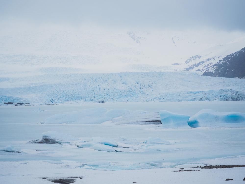 fjallsarlon glacier lagoon.