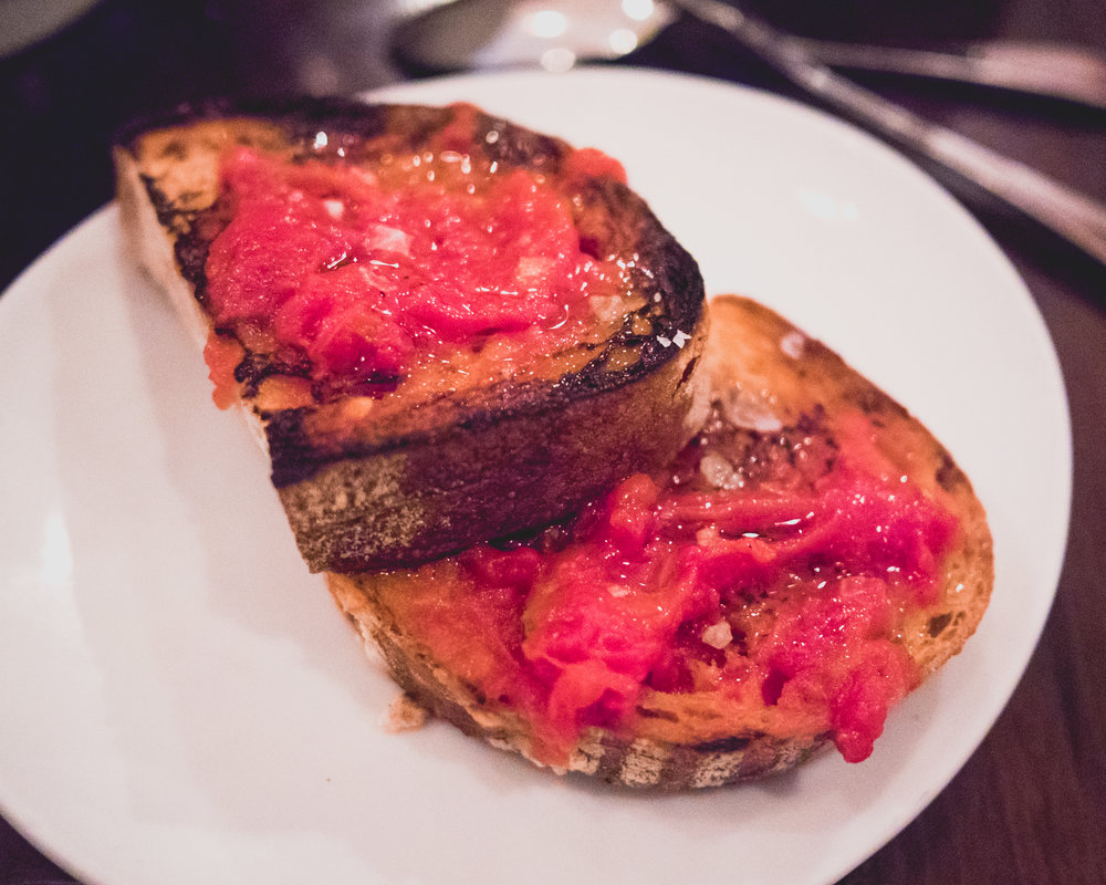 pan con tomate, served with the mussels.