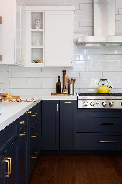 kitchen-white-upper-cabinets-navy-blue-lower-cabinets.jpg