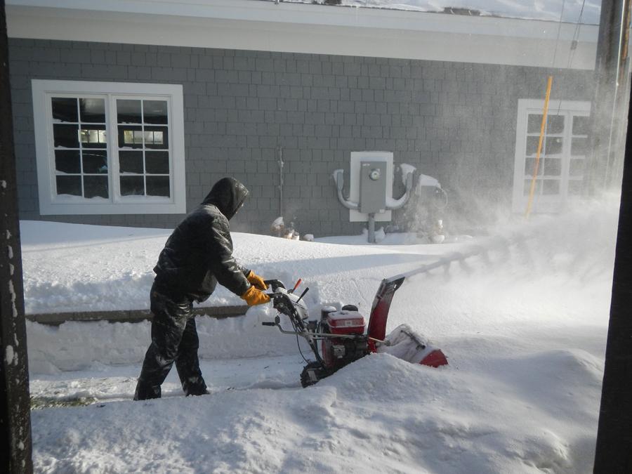 snowblowing.jpg