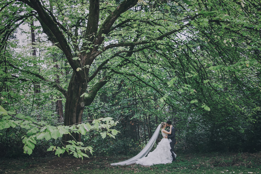 #woodland #wedding #whimsical #ballgown #connection #emotional #fairytale #princess #bride #groom #greywedding #etherealwedding #fairytalewedding #cathedralveil #veil #whitebouquet #simplyupdo #messyupdo #redlips #pearl #babysbreath #white