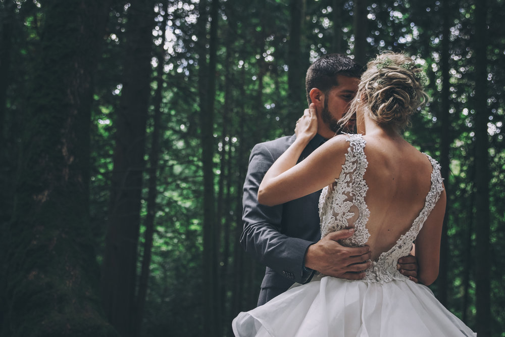 #woodland #wedding #whimsical #ballgown #connection #emotional #fairytale #princess #bride #groom #greywedding #etherealwedding #fairytalewedding #cathedralveil #veil #whitebouquet #simplyupdo #messyupdo #redlips #pearl #babysbreath #white #forestwedding