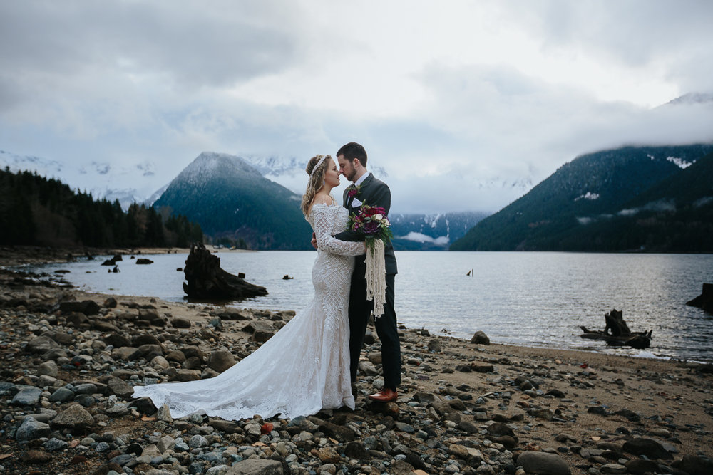WEB Jones Lake, Styled Mountain Wedding Shoot Mimsical Photography (4 of 98).JPG