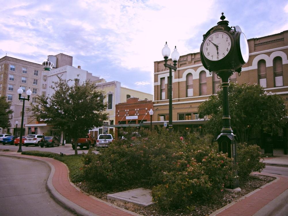 downtownbryanclock.jpg