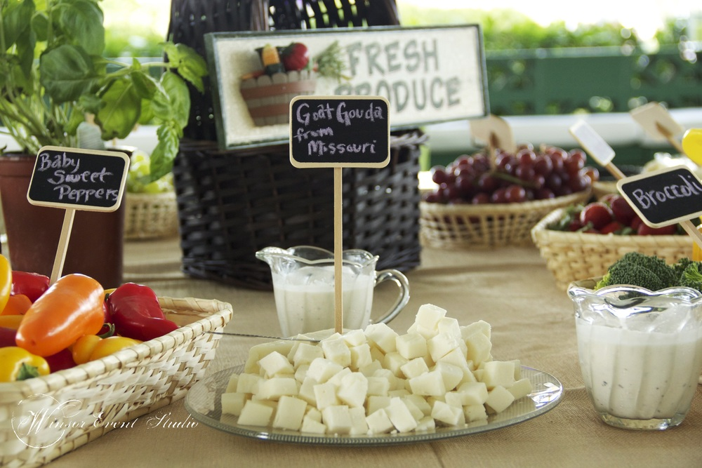 Guests enjoyed organic cheeses and local produce during the cocktail hour.
