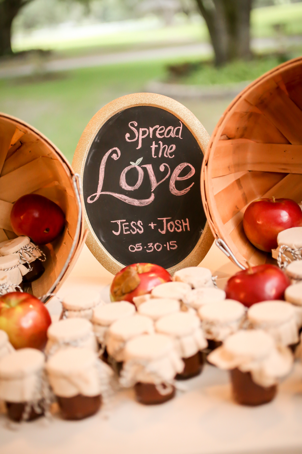 The bride used her grandmother's apple butter recipe for these sweet favors