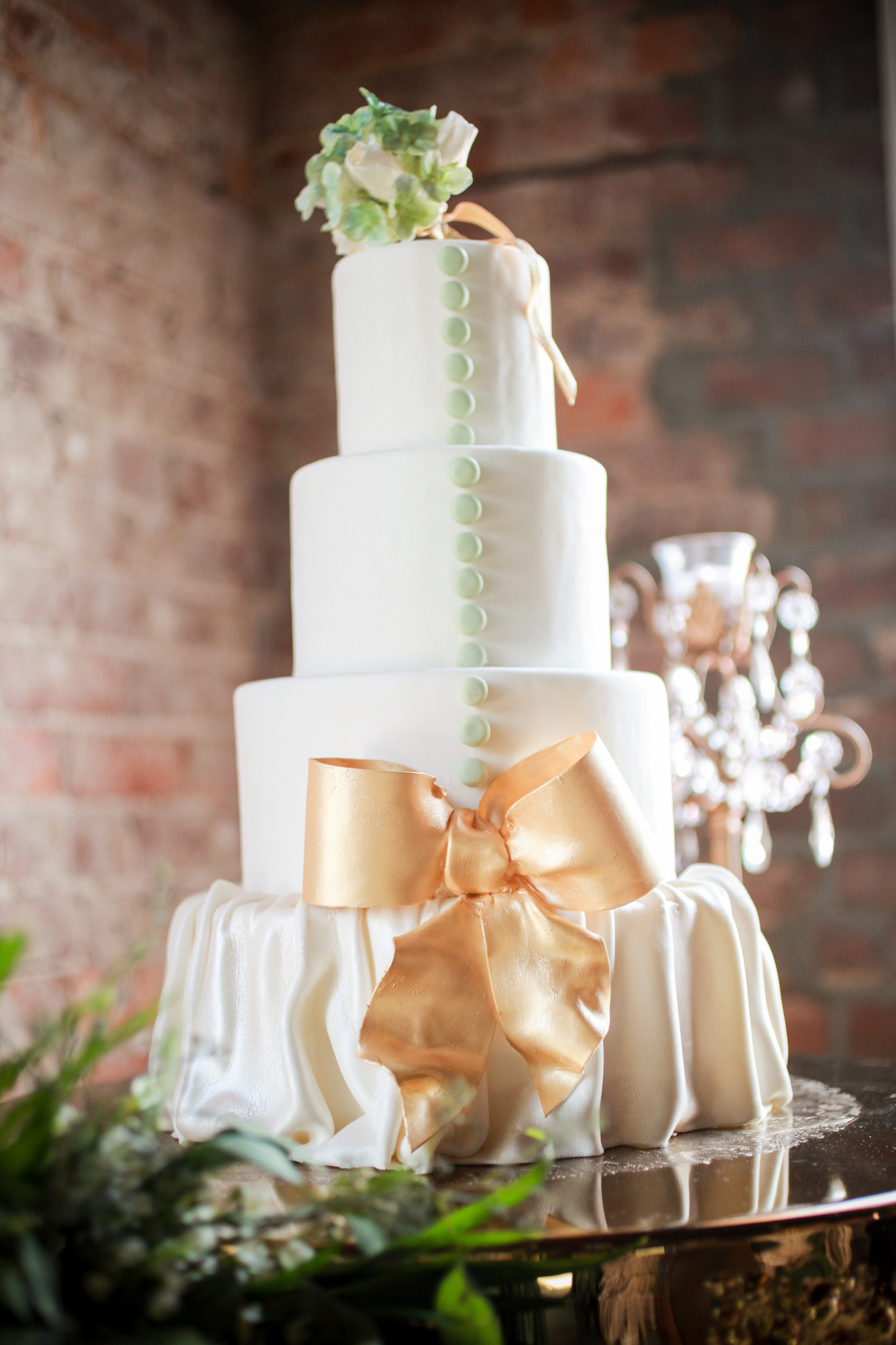 winsor event studio wedding cake fondant gold