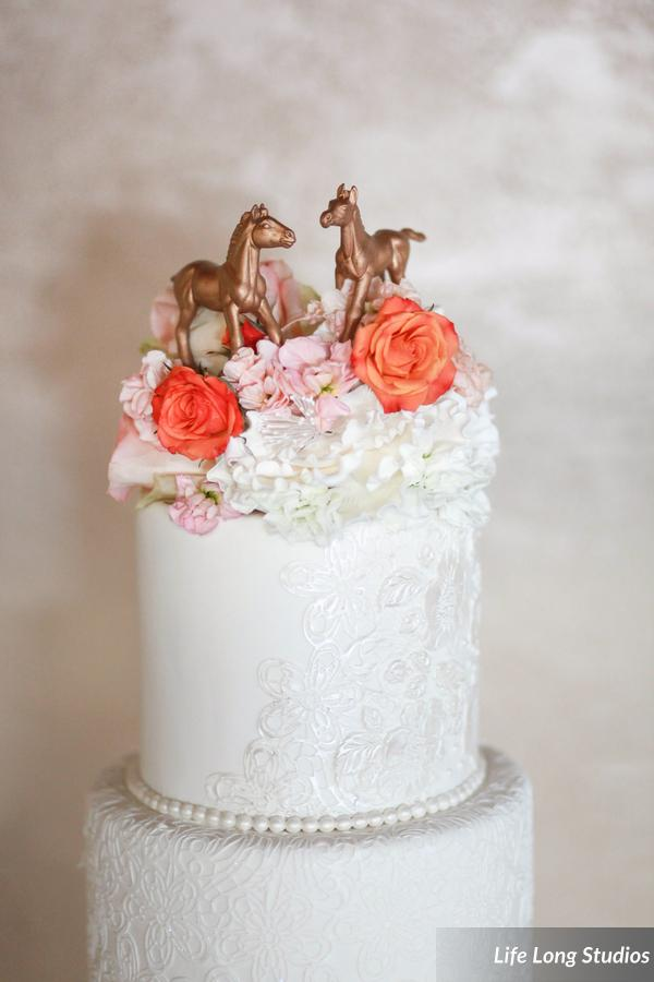 winsor event studio horse cake topper