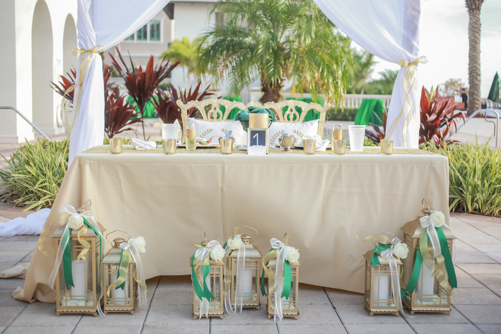winsor event studio sweetheart table gold lanterns