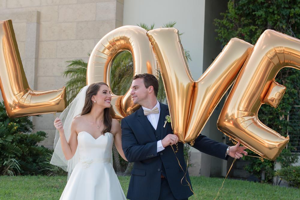 winsor event studio wedding love balloons