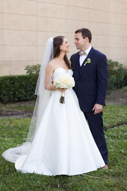 winsor event studio bride groom portrait ivory bouquet