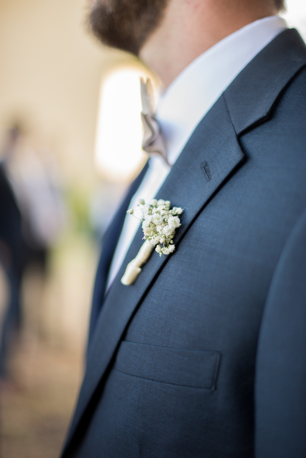 winsor event studio baby breath boutonniere