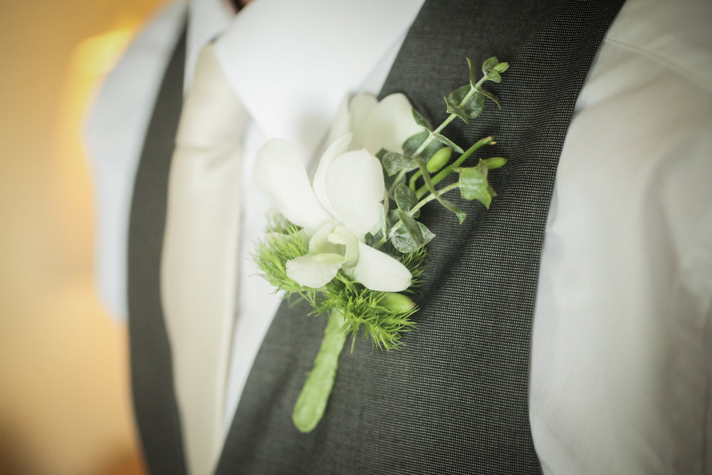 winsor event studio natural boutonniere
