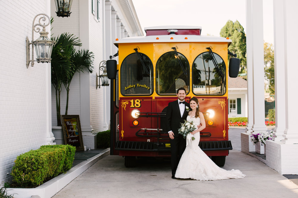 Elements like the Jolley Trolley gave the wedding a California influence (alluding to the Trollies in San Francisco where the couple relocated).