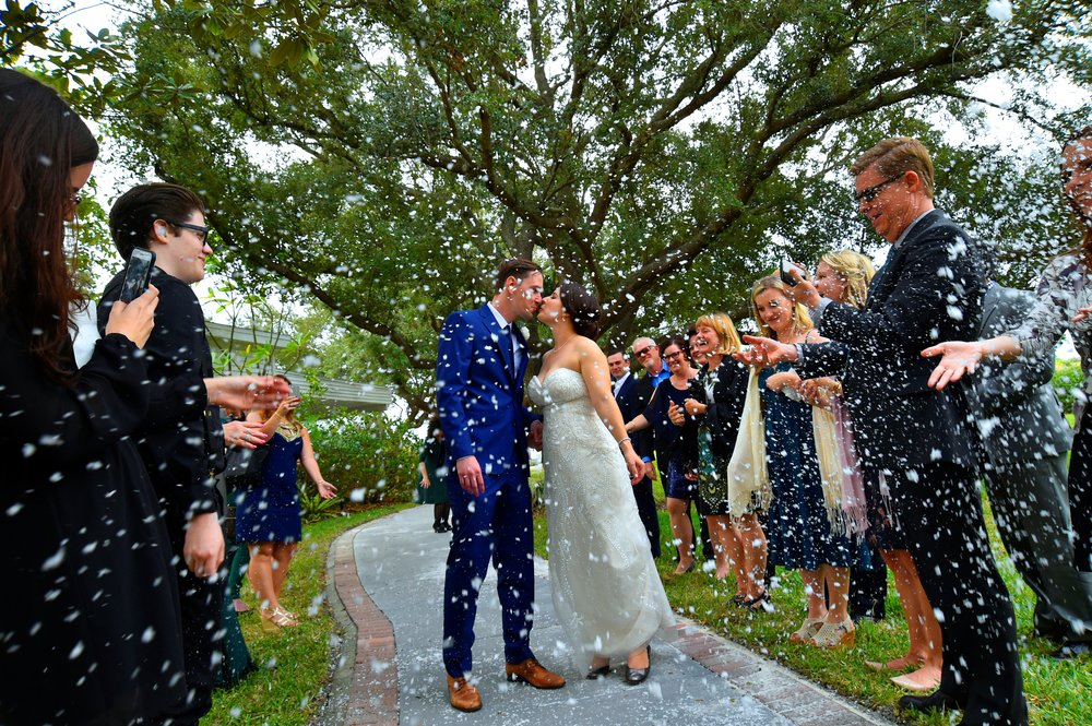 winsor event studio wedding confetti send off