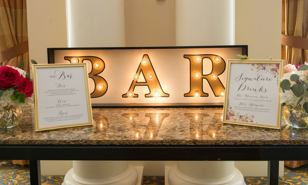Signature drinks like 'Her Margarita' and 'His Mexican Mule' were served at the bar, along with craft beer for the groom!